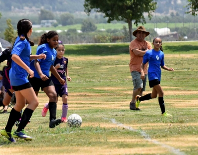 Using her speed to get around the defender, California United player Athena Sanchez looks to make a play. Photo courtesy Valerie Hernandez.