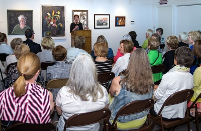 Michele Pracy Addresses Toledo Art Museum Group. Photo by Les Dublin.