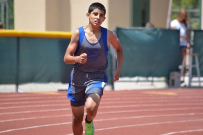 Fernando Gonzales came in 2nd place in the youth division 800m dash this earned him a qualifying time for Southern California Championships