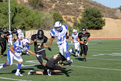 Alex Vargas runs for a 20 yard gain.