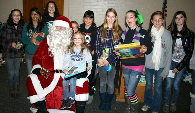 Thanks to Santa for coming to the Bardsdale 4H Christmas party.