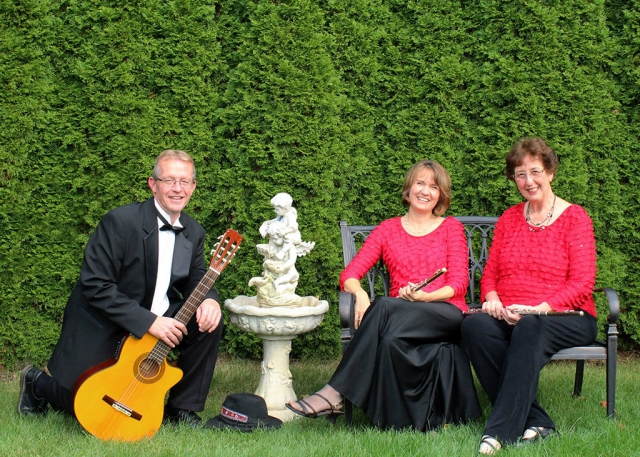 Camerata Amistad. (l-r) P. Brent Register, Cathy Collinge Herrera and Diane Gold Toulson.