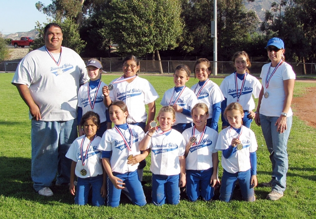 Fillmore Diamond Girlz Travel Team took 1st Place in the Santa Paula Fall Tournament. The girls went 6-0. Pictured Top Row: Coach Leo Venegas, Chloe Stines, Mckenzie Hernandez, Cali Wyand, Tots Cervantes, Amanda Villa and Coach Carina Crawford. Bottom Row: Leana Venegas, Maddie Charles, Lindsey Brown, Natalie Couse, and Kasey Crawford.