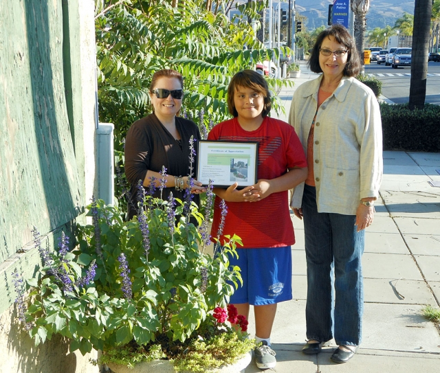 Theresa Rohbledo & son Adrian with their certificate and Civic Pride member Linda Nunes