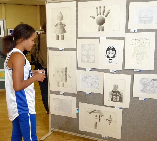 Amber Wilmot stops by to take a look at a few pencil drawings.
