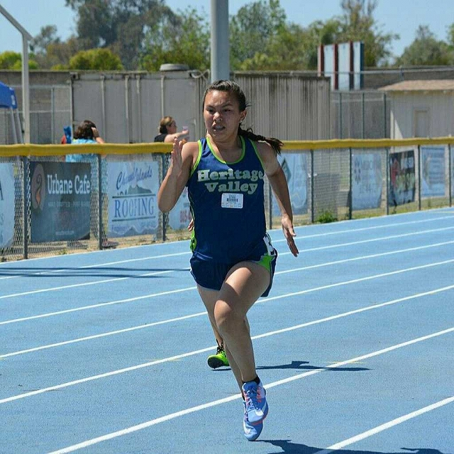 Jordyn Walla during her comeback victory in the Youth Girls Division 800 meter race.