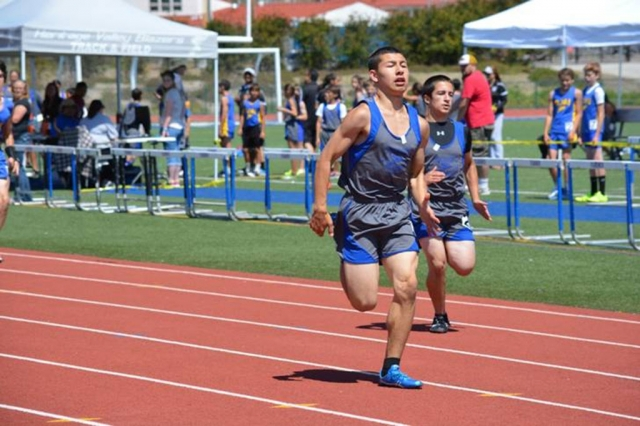 Tim Luna continues his dominance of the youth division placing 1st in both 100m and 200m