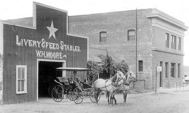 The Star Stable circa 1912, which was also part of the Inn and was located on Santa Clara and Central. Photos courtesy Fillmore Historical Museum.