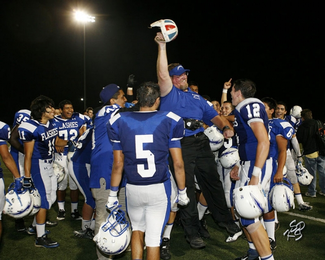 Last Friday, the Fillmore Flashes beat Santa Paula 35-18. It was an exciting game and the bleachers