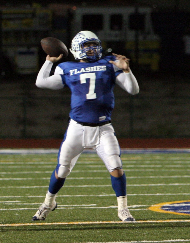 Nathan Ibarra #7 threw for over 100 yards against Santa Paula. Fillmore lost to the Cardinals 34-14.