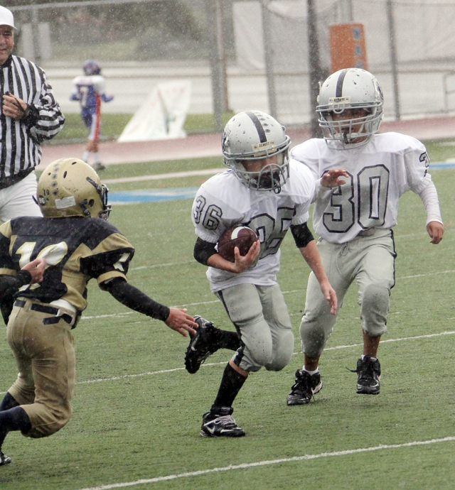 Fillmore Raiders Mighty Mites played last Saturday against the Santa Clarita Wild Cats. They lost 6-20.