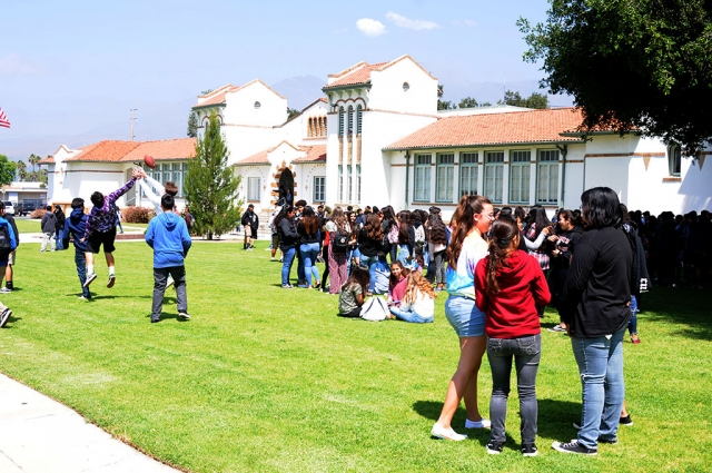 On Tuesday, June 4th, Fillmore Middle School 8th grade graduation class filled the FUSD front lawn with laughter and fun. Pizza and games were the reward for the class, under the supervision on teacher Jennifer Beale. Pictured below a group of students along with Beale as they enjoy their day out on the lawn.