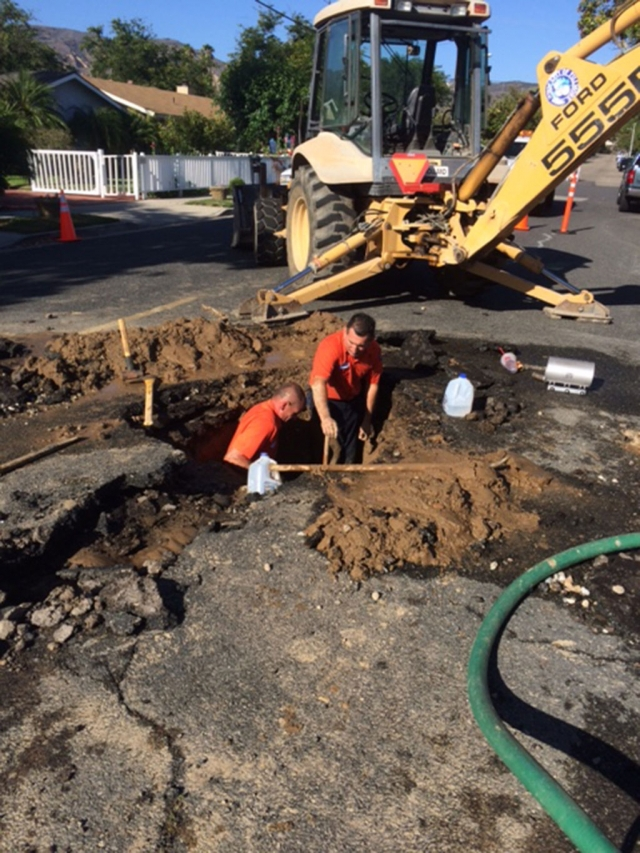 On Sunday, July 26th, Fillmore's Public works crew responded to a water main leak on the 900 Block of Sespe Avenue. It took over 8 hours to repair the stubborn water leak and get water back on in the neighborhood. Hats off to the great work done by Fillmore's finest Public Works crew who always work hard behind the scenes making sure that our city's infrastructure is kept up and running smooth.