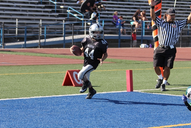 Raiders Junior 1 #44 makes a touchdown