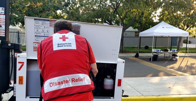 Red Cross volunteer fires up flood lights at the evacuation center at Fillmore Middle School on Monday, August 17, 2020. Photo courtesy American Red Cross.