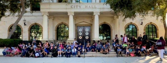 On Tuesday, October 8th, Rio Vista Elementary 3rd graders stopped by Fillmore City Hall for a tour. Pictured above are the 3rd graders after the tour. Courtesy City of Fillmore Facebook Page.