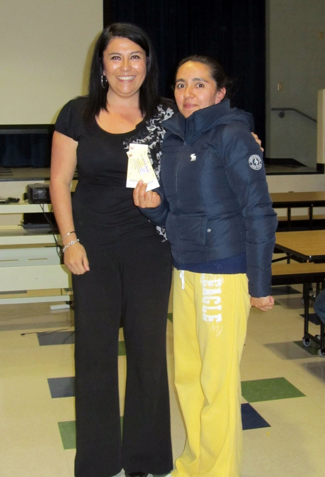 On Wednesday, February 23, Mountain Vista Elementary held a parent involvement night. The principal provided an overview of the instructional day and gave parents suggestions on how to support their children at home and ways to get involved at Mountain Vista School. At the end of the night, the Mrs. Schieferle raffled off two Los Angeles Laker tickets. The lucky parent was Maria Martinez. Mrs. Martinez will be headed to the Staple Center on April 12th to see the Lakers play against the San Antonio Spurs!