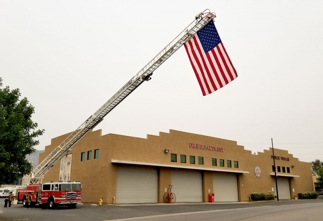 On Friday, September 11th Fillmore Fire Department held a 9/11 memorial ceremony at Fillmore Fire Station, located at 711 Landeros Lane (Sespe Ave.) to remember those whose lives were lost in the 9/11 attack. Due to the COVID-19 pandemic the were unable to hold a formal ceremony, but still hoisted the America flag on a the engine ladder in memory of the first responders killed on 9/11.