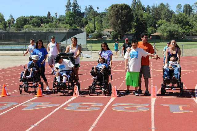 The athletes getting ready for the 10m wheelchair race