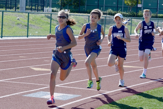 (l-r) Jordyn Walla Midget girls 800m, 1st place; Syenna Ponce 2nd Place.