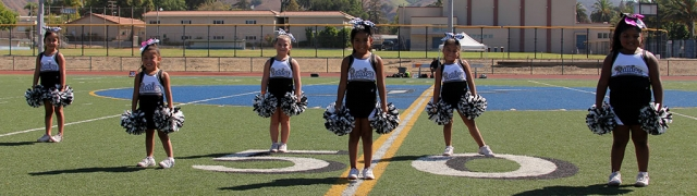 Raiders Mighty Mite Cheer.