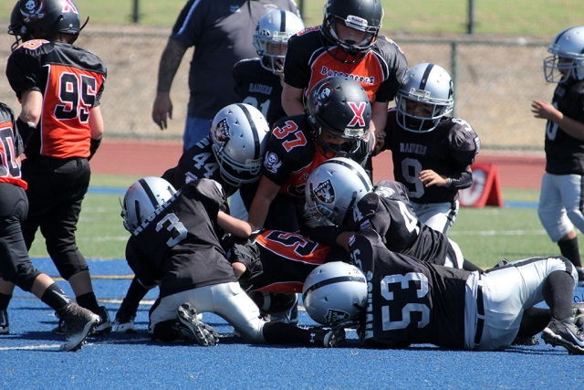 Raiders Mighty Mites Group Tackle.