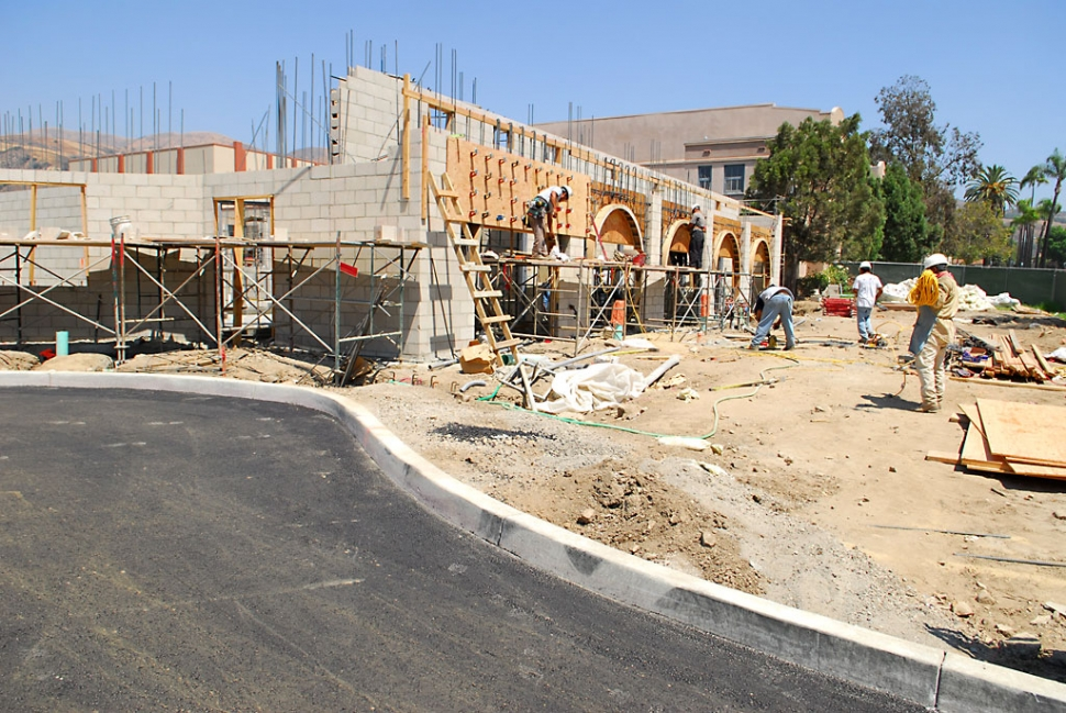 The entryway to Fillmore's new swimming pool complex has been paved, with curbs.