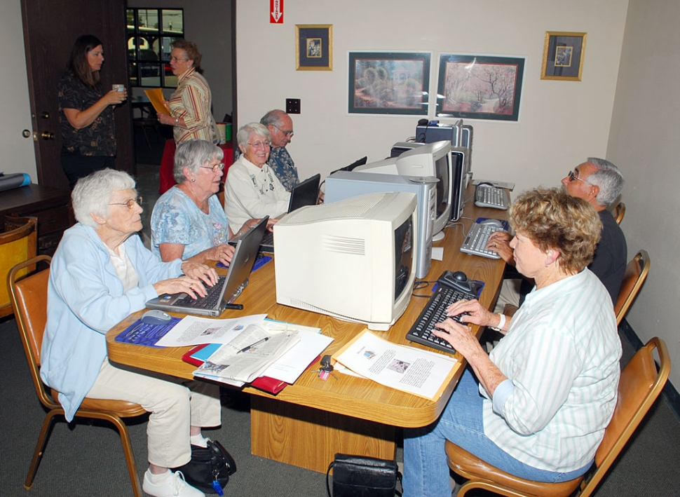 The Senior Center has had a wonderful turn-out for the new computer class. The class is full and is held on Tuesday led by Gayle Washburn and Dave Roegner.