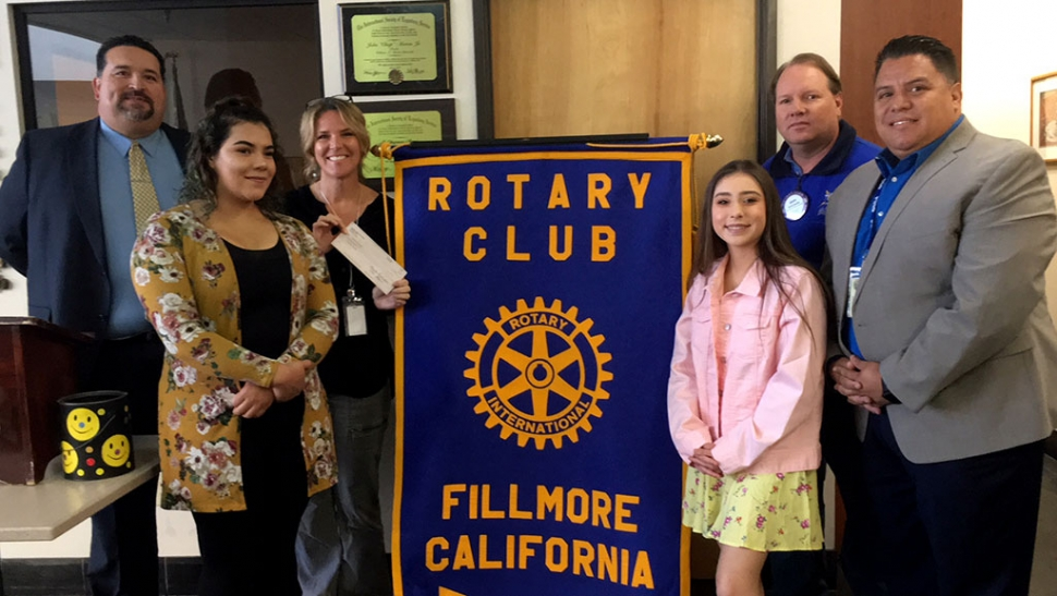 The Rotary Club of Fillmore presented two scholarships to local students from Sierra High School and Heritage Valley Independent School. L-R Adrian Palazuelos, Rotarian and Superintendent, Kayln Rodriquez of Sierra High School, Kim McMullen, Sierra Counselor, Faith Bustos of Heritage Valley Independent School, Scott Beylik, Rotarian and Scholarship Chair, Pablo Leanos, Principal of Sierra High School. Photo courtesy Martha Richardson.