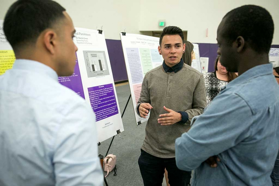 Andres Mendoza of Oxnard sharing his psychology research during the 2016 Festival of Scholars