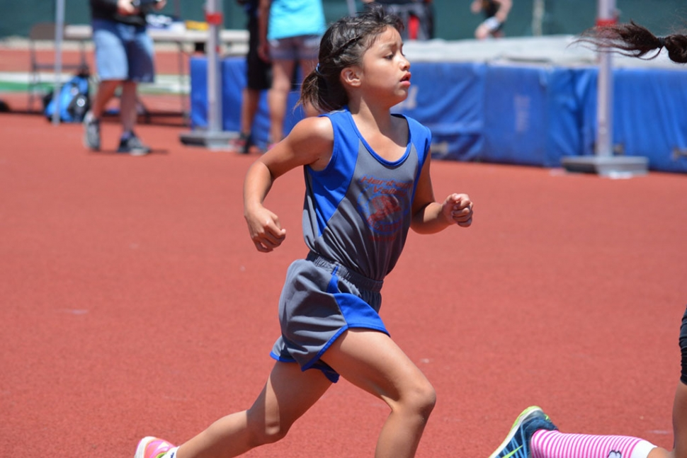 Yaraby Herrera dominated at Ventura County Varsity Finals earning a 1st place in both 800m and 1600m