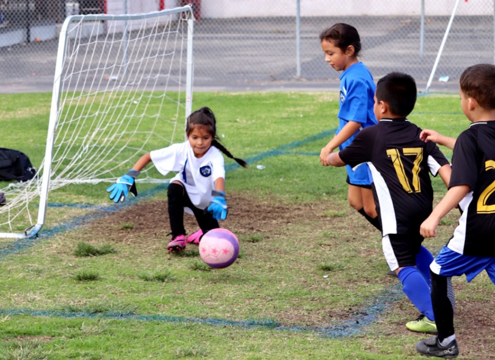 California United 2013 Girl's goalie stops the ball to keep the Oxnard players from scoring in their game this past Saturday. Photo courtesy Nancy Vaca.