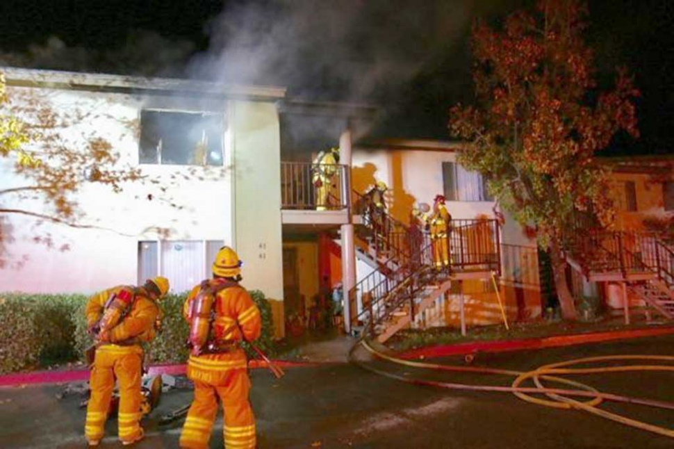 Monday December 5, at 2:23am Fillmore Fire Department assisted in the effort to extinguish an apartment fire in Santa Paula. Along with Santa Paula Fire Department and Ventura County Fire, they were able to knock down the fire in approximately 20 minutes. Photos Courtesy of Santa Paula Assistant Chief Luis Espinosa.