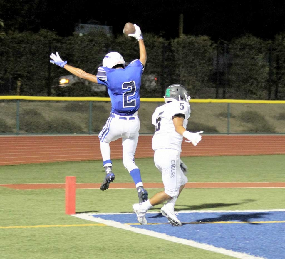Flashes player #2 George Tarango Scores a touchdown this past Friday night against Eagle Rock. Final Score Fillmore 13 - Eagle Rock 19.