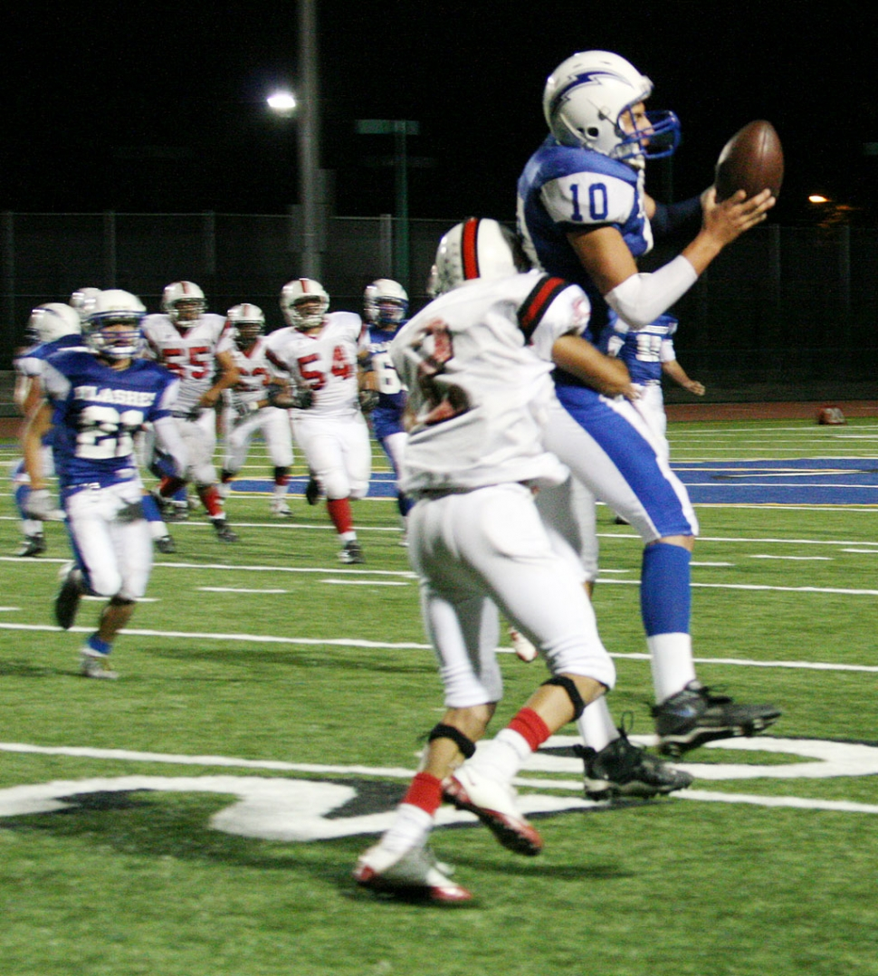 Chris De La Paz #10 catches the football on an 18 yard pass from Corey Cole which kept Fillmore's drive going.