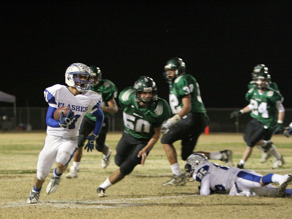Nick Paz #21 played a great game against 29 Palms last Saturday. Paz had 21 carries for 77 yards and an interception.