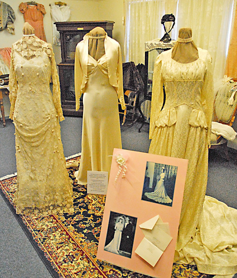 Wedding Gown Display: Fillmore Historical Museum Displays Vintage Wedding