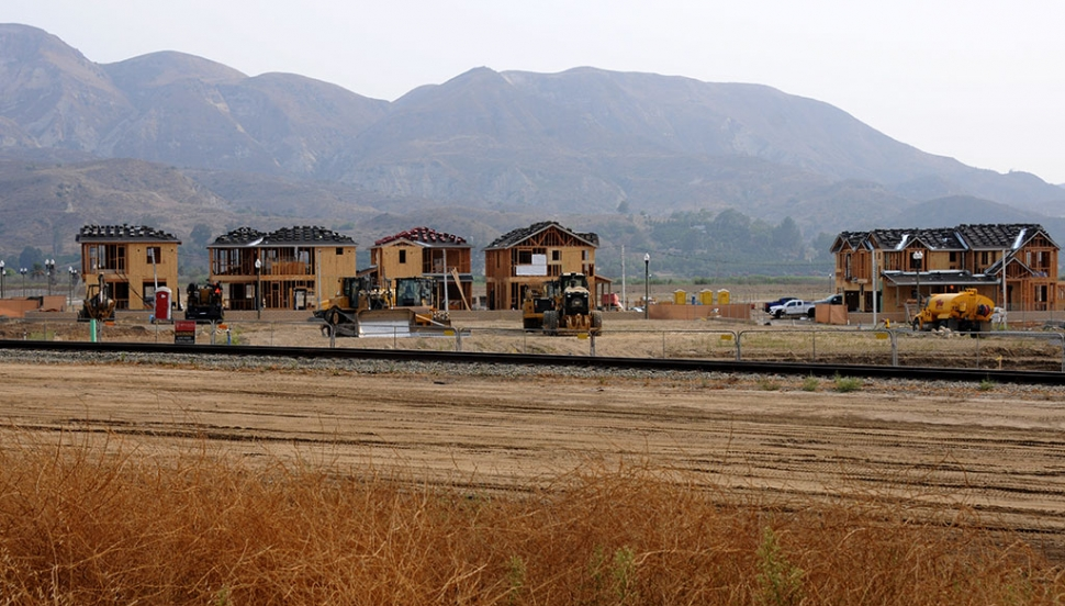 Driving along Highway 126 next to the El Dorado Mobile Home Park in Fillmore is the Heritage Grove housing development. This past Tuesday, September 8th workers were seen roofing and framing off multiple houses making some steady progress, despite the COVID-19 pandemic.