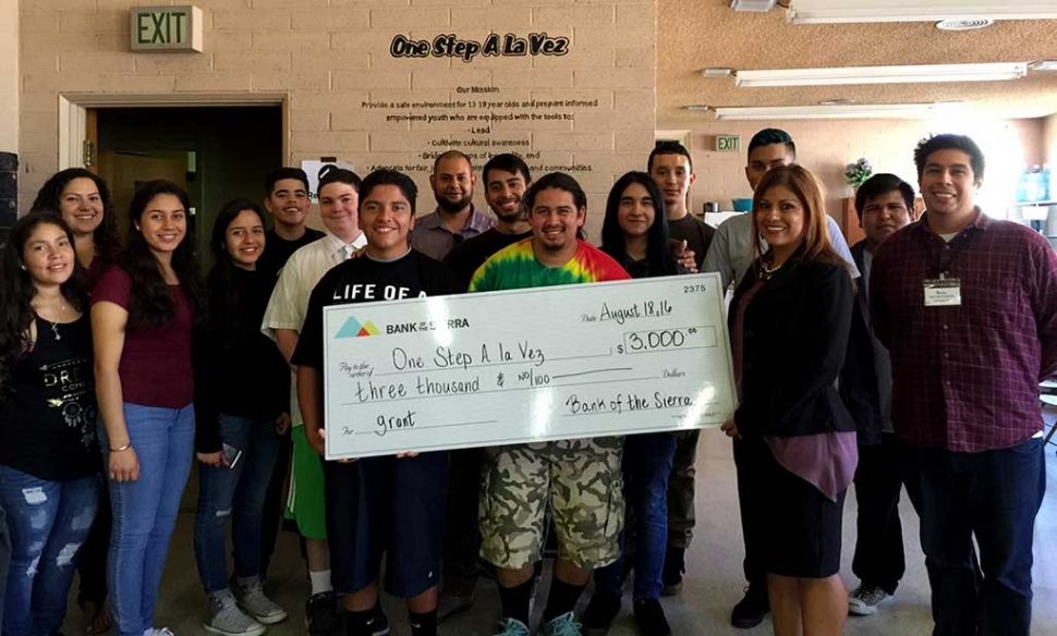 Bank of the Sierra donates $3000 grant to Fillmore's One Step a la Vez Teen Center's for thier Silk Screen Print Shop project.