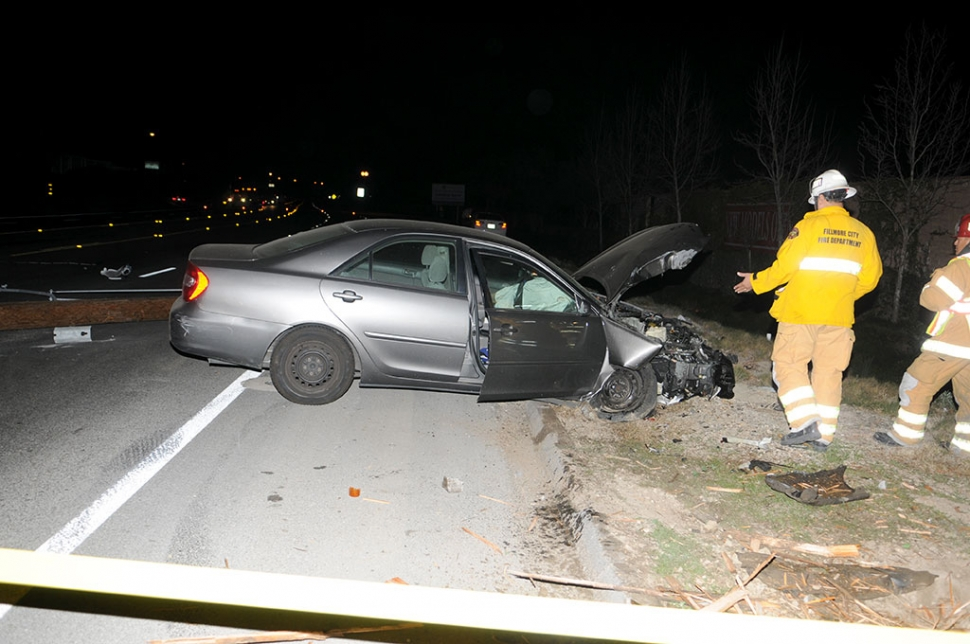 A small sedan slammed into a power pole on Highway 126 near the Bridges homes on Tuesday night at 10:30 p.m. The pole was sheared off and Edison was called to the scene. Condition of the driver is unknown.
