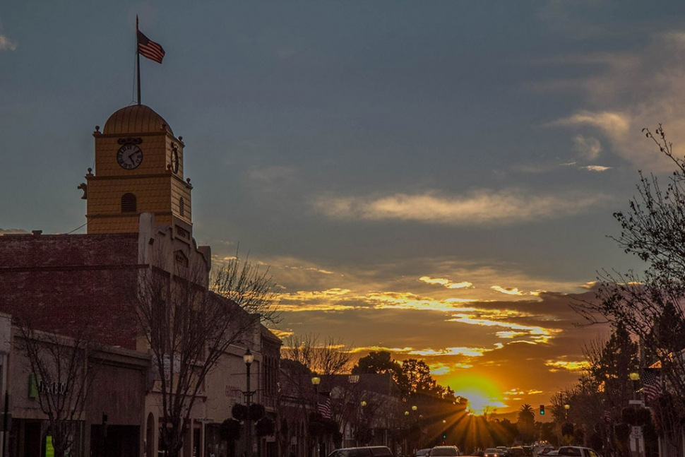 Local Photographer Mario Rodriguez captured the sunset in Downtown Santa Paula on Sunday, January 25th. Thanks for the great photo Mario.