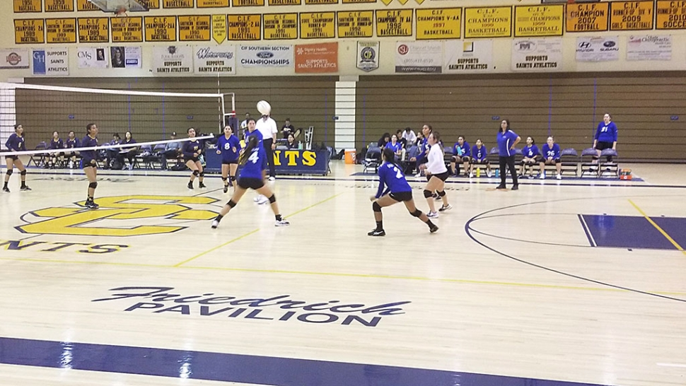 Pictured above are the Flashes receiving the ball from Santa Clara in their match this past Thursday. The Flashes fell short to Santa Clara after 4 sets.