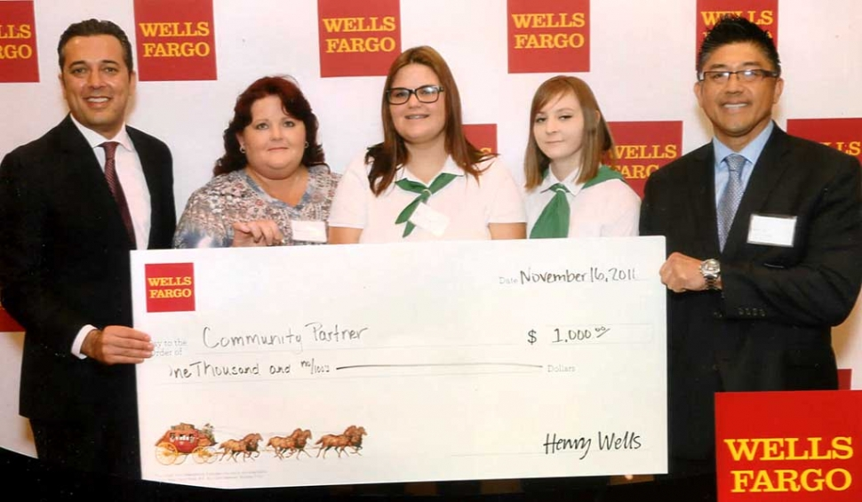 (l-r) Reza Razzaghipour Region President ,Sherri McGuire, Mary Graves,Katelyn fier,and Eric Irie branch Manger. Piru Canyon 4-h would like to thank Wells Fargo for there donation! It is greatly appreciated! Submitted by Piru Canyon 4-H.